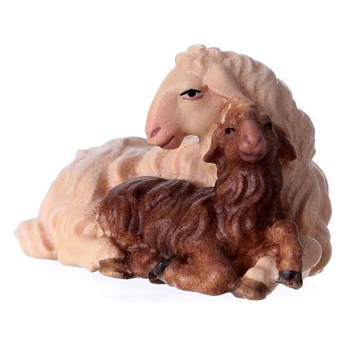 Pecora con agnello sdraiato presepe Original legno Valgardena 12 cm 2