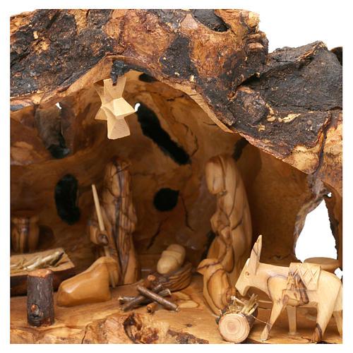 Natività ulivo di Betlemme in stalla forma irregolare 20x30x20 cm 2