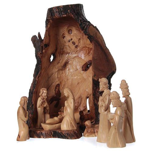 Presépio completo oliveira de Belém figuras altura média 21 cm em gruta natural 45x30x30 cm 1