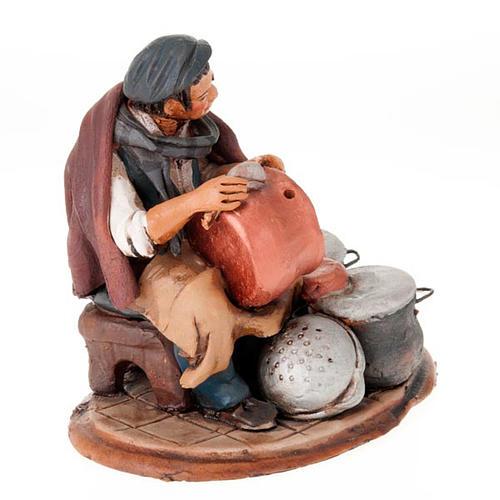 Santon crèche de Noël homme avec cocottes 3