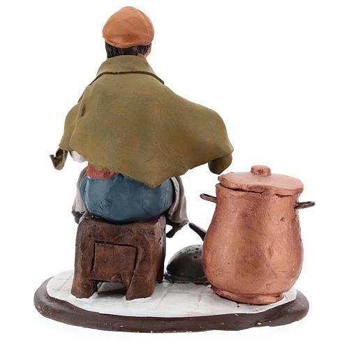 Santon crèche de Noël homme avec cocottes 5