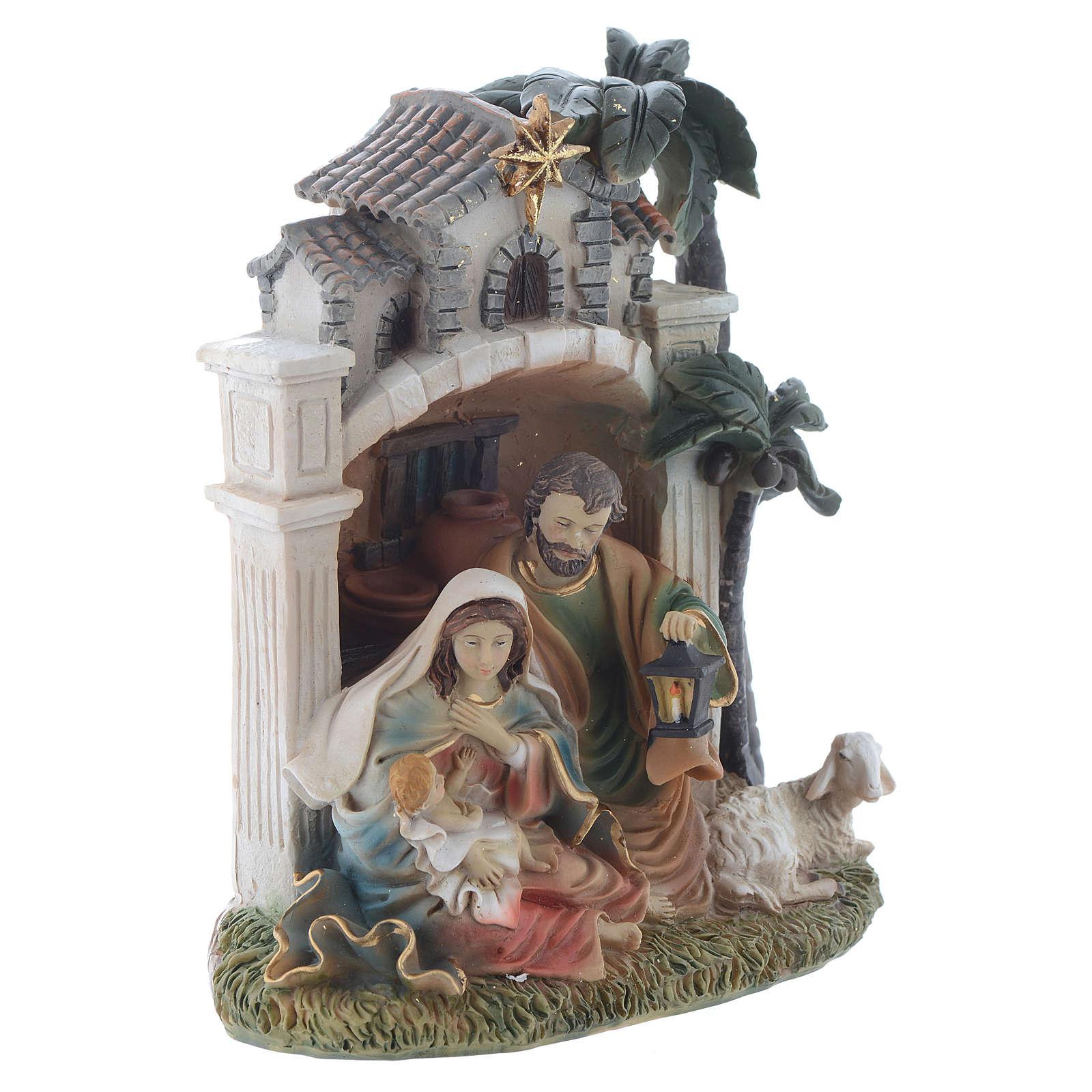 Nativity scene in resin measuring 16.5cm 3