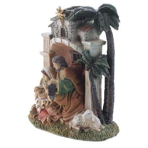 Nativity scene in resin measuring 16.5cm 2