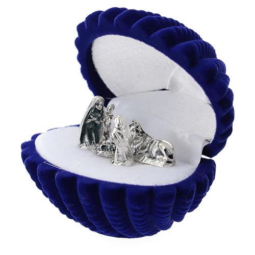 Coffret nativité velours bleu en coquillage 2