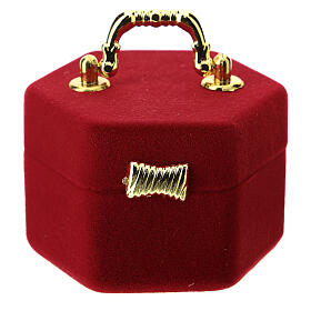 Hexagonal box with handle and Nativity in red velvet inside s3