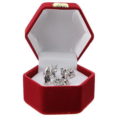 Hexagonal box with handle and Nativity in red velvet inside 1