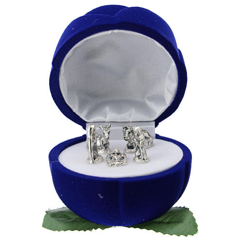 Cofre rosa terciopelo azul con natividad 1