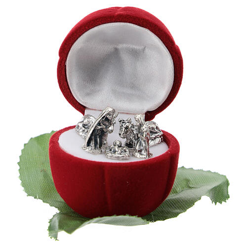 Small rose-shaper red velvet case with Nativity 1