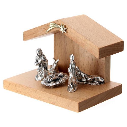Cabaña madera de peral con Natividad metal 5 cm 2