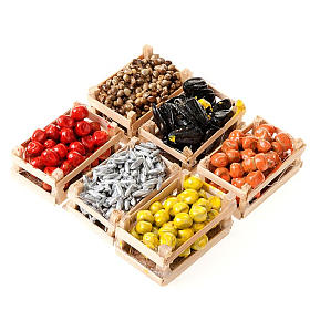 Aliments en miniature: Cagette fruits et légumes poisson crèche en couple