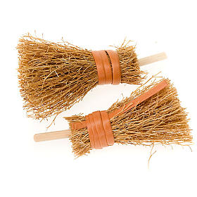 Nativity accessory, brooms, 8cm, set of 2 s1