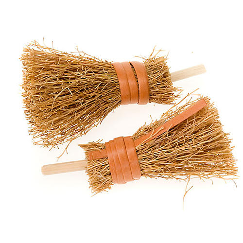 Nativity accessory, brooms, 8cm, set of 2 1