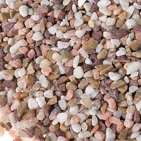 Gravier marron, grains petits pour crèche s2