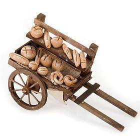 Belén napolitano: Carro de madera con panes  terracota belén