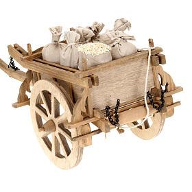 Carrito de madera para pesebre 12x15 cm s4