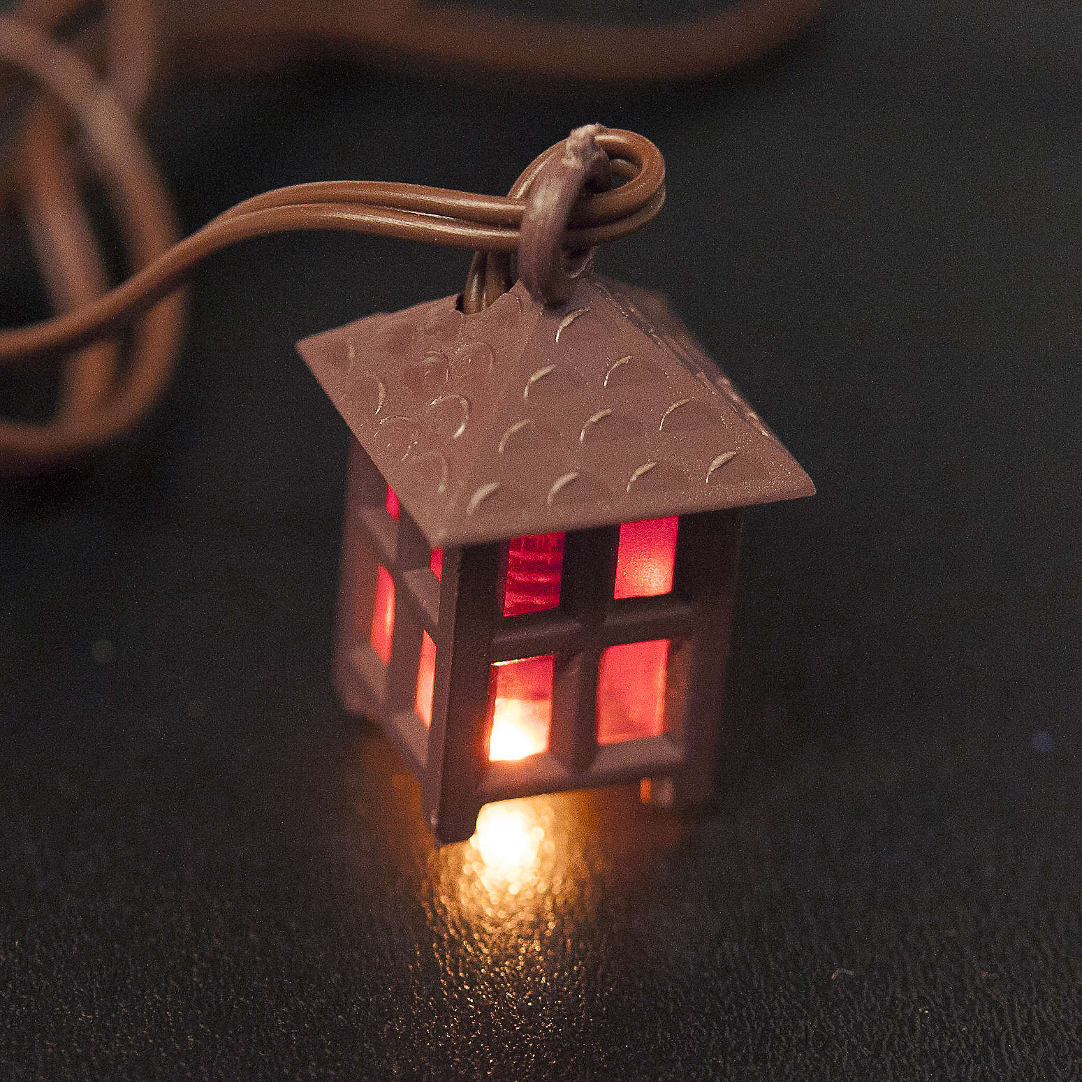 Lanterne éclairage crèche lumière rouge h 2,5cm 4