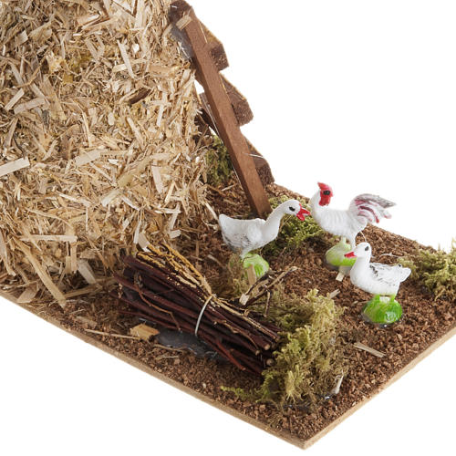Nativity scene: sheaf of straw with poultry 2
