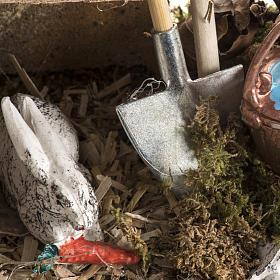 Nativity scene figurines, rabbits and setting s4