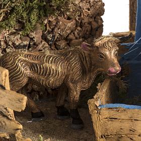 Mucca con finta fontana ambientazione presepe 8-10 cm s4