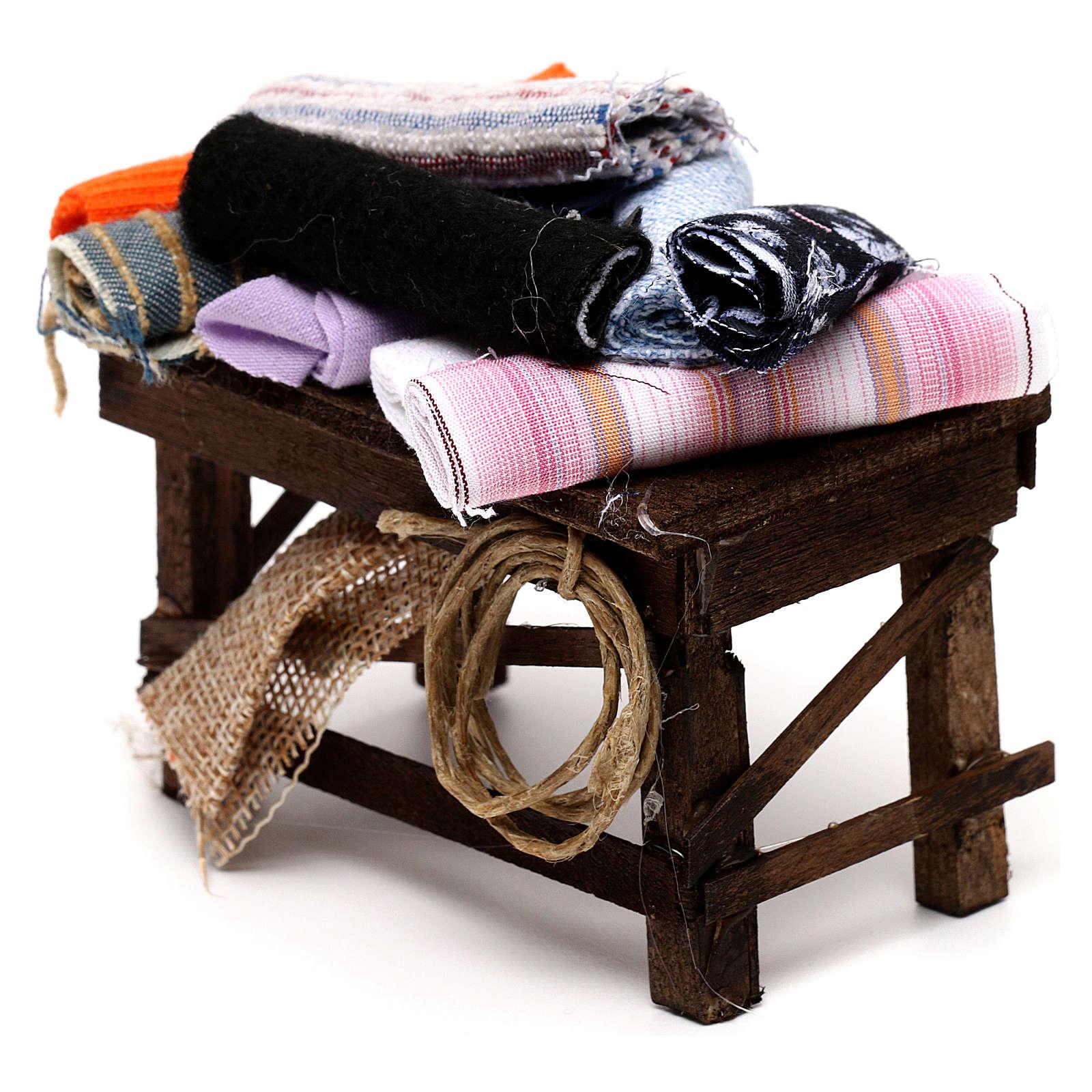 Neapolitan Nativity scene accessory, cloth table 4