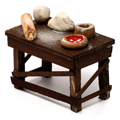 Neapolitan Nativity scene accessory, pizza table 2
