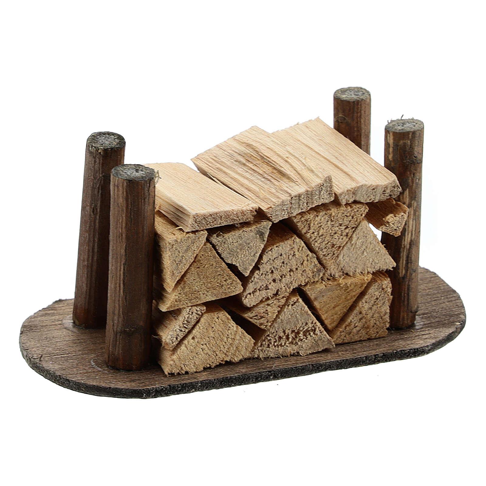 Pile de morceaux de bois pour crèche 4