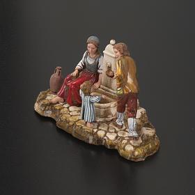 Otoczenie szopki Moranduzzo rodzina przy fontannie 10 cm s3