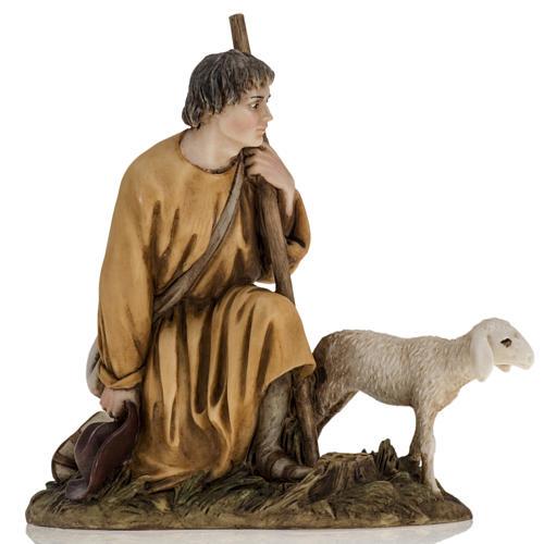 Pastorello con agnello 18 cm presepe Landi 1
