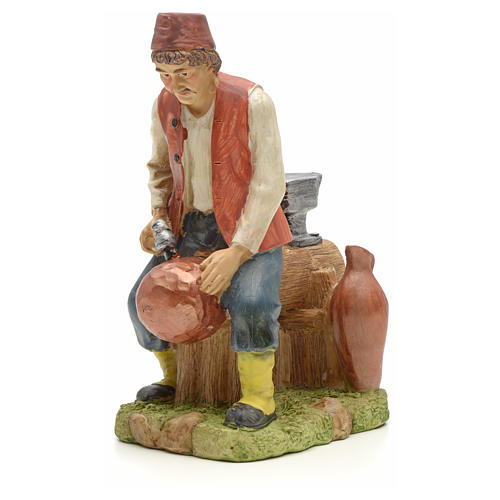 Man making pans figurine in resin for nativities of 20cm 1
