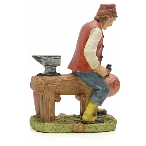 Man making pans figurine in resin for nativities of 20cm 3