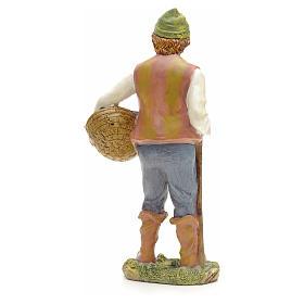 Pastore con cesta di pesci 21 cm s3