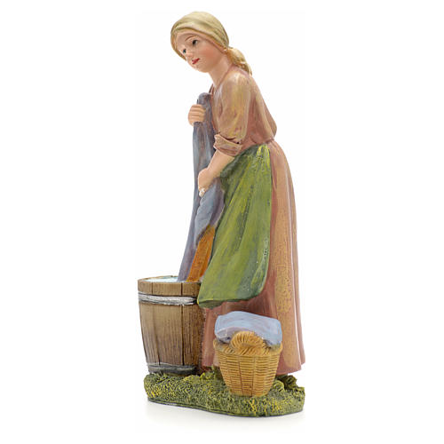 Woman washing clothes figurine in resin for nativities of 21cm 2