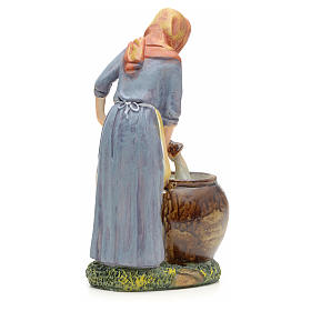 Woman pouring water figurine in resin for nativities of 21cm s3