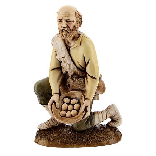 Figura pastor con huevos 12 cm belén Moranduzzo estilo clásico 1