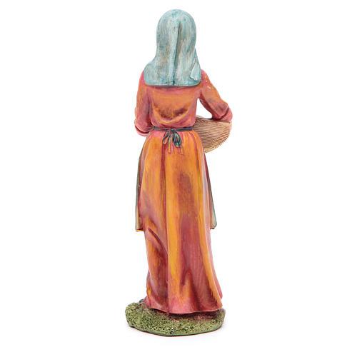 Donna con cesto 21 cm presepe resina 2