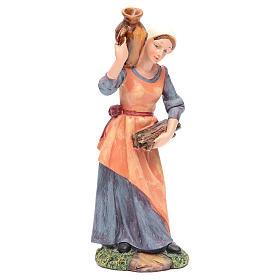 Femme avec jarre et fagot bois 30 cm s1
