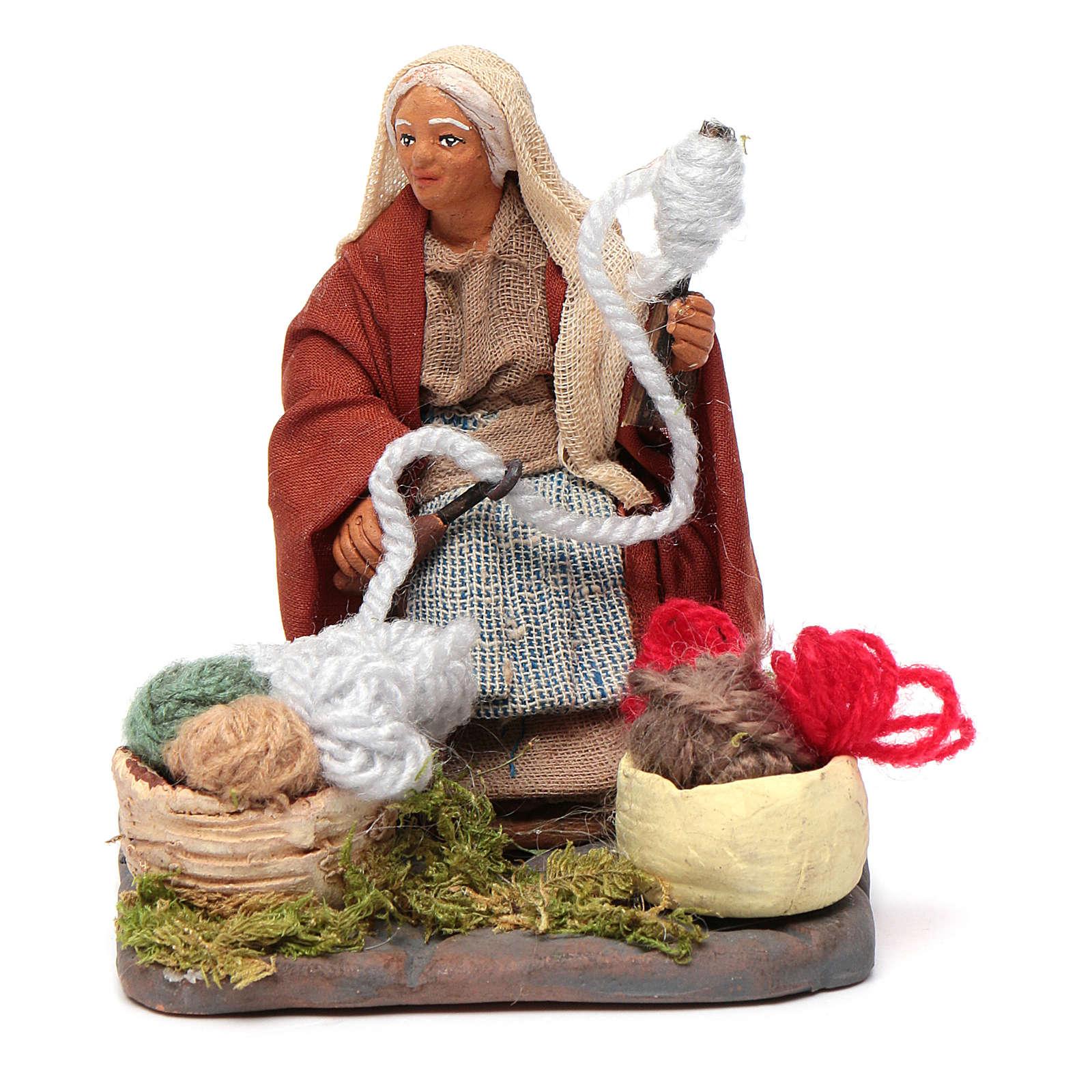 Woman spinning 10 cm for nativity scene 4