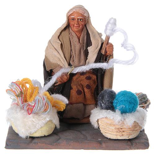 Woman spinning 10 cm for nativity scene 5