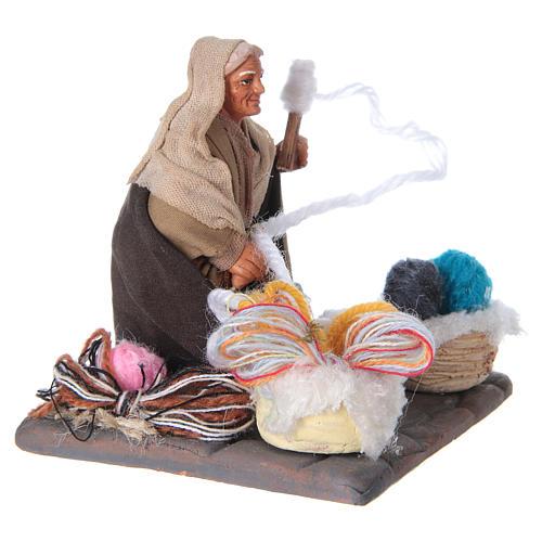 Woman spinning 10 cm for nativity scene 7