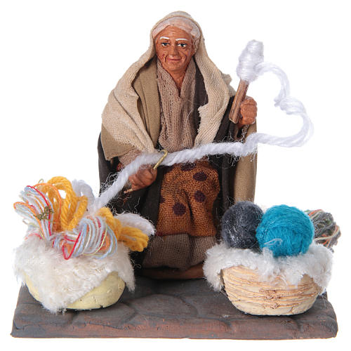 Woman spinning 10 cm for nativity scene 5