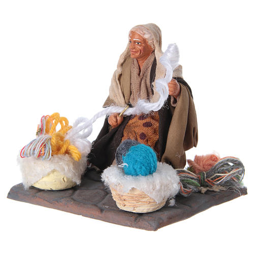 Woman spinning 10 cm for nativity scene 6