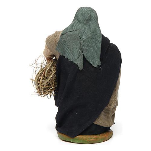 Donna con secchio e paglia 10 cm 4
