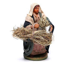 Woman with basket and straw 10 cm for nativity set s3