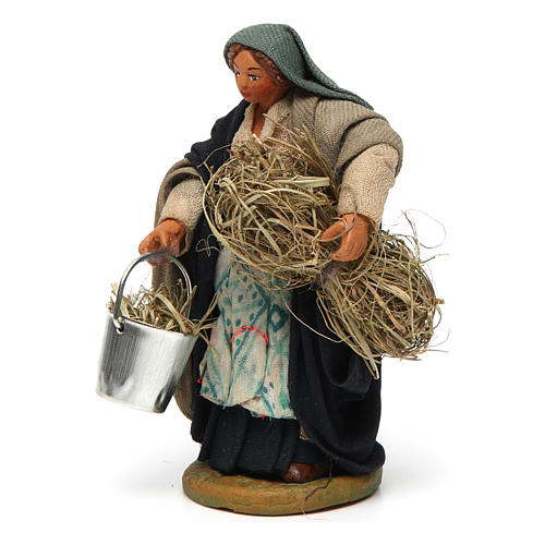 Woman with basket and straw 10 cm for nativity set 2