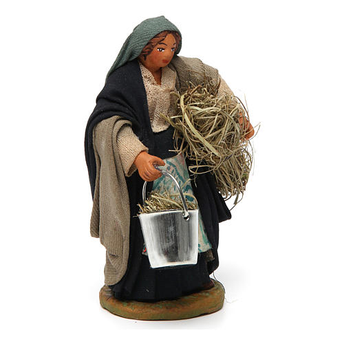 Woman with basket and straw 10 cm for nativity set 3
