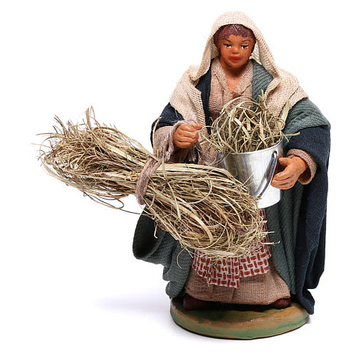Woman with basket and straw 10 cm for nativity set 1