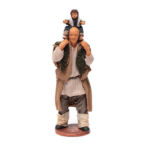 Uomo con bimbo sulle spalle 14 cm 1
