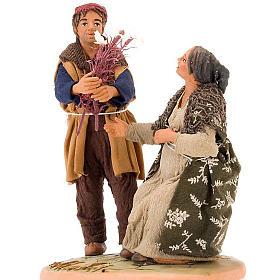 Scena donna incinta uomo con fiori 14 cm s2