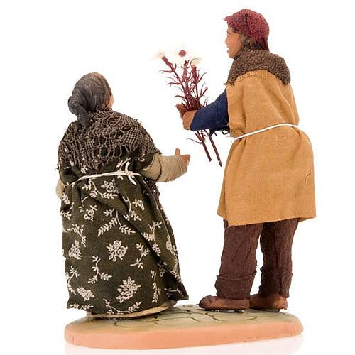 Scena donna incinta uomo con fiori 14 cm 3