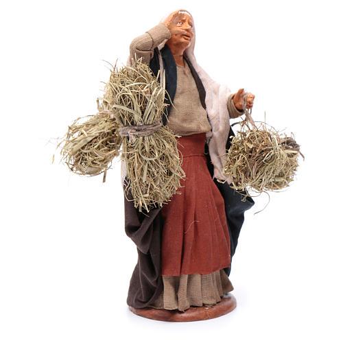 Countrywoman with straw bundles for nativity scene 14 cm 3